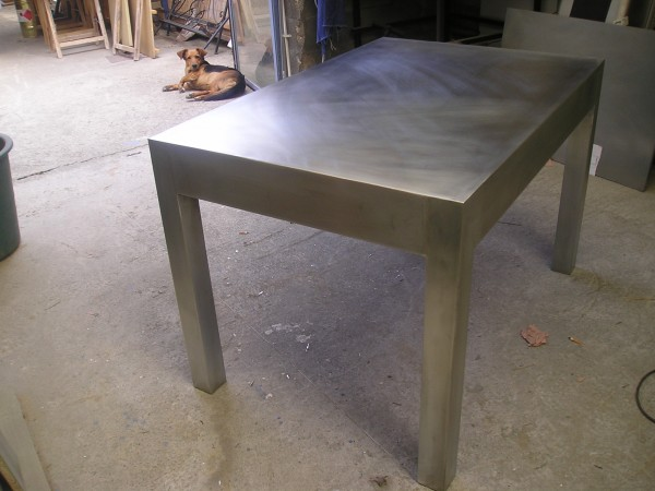 Creation autour du zinc table zinc for Recouvrir une table de zinc